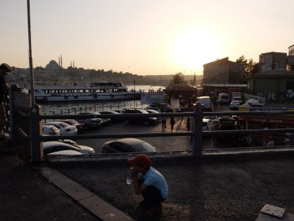 a_child_galata_bridge