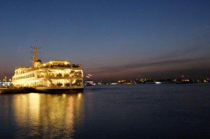 istanbul_ferry_kadikoy