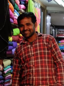 ghat_darwaza_bazar_road_fabrics_seller